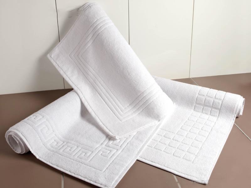 Thảm chân trắng họa tiết đẹp mắt size 40x60cm (250gr)