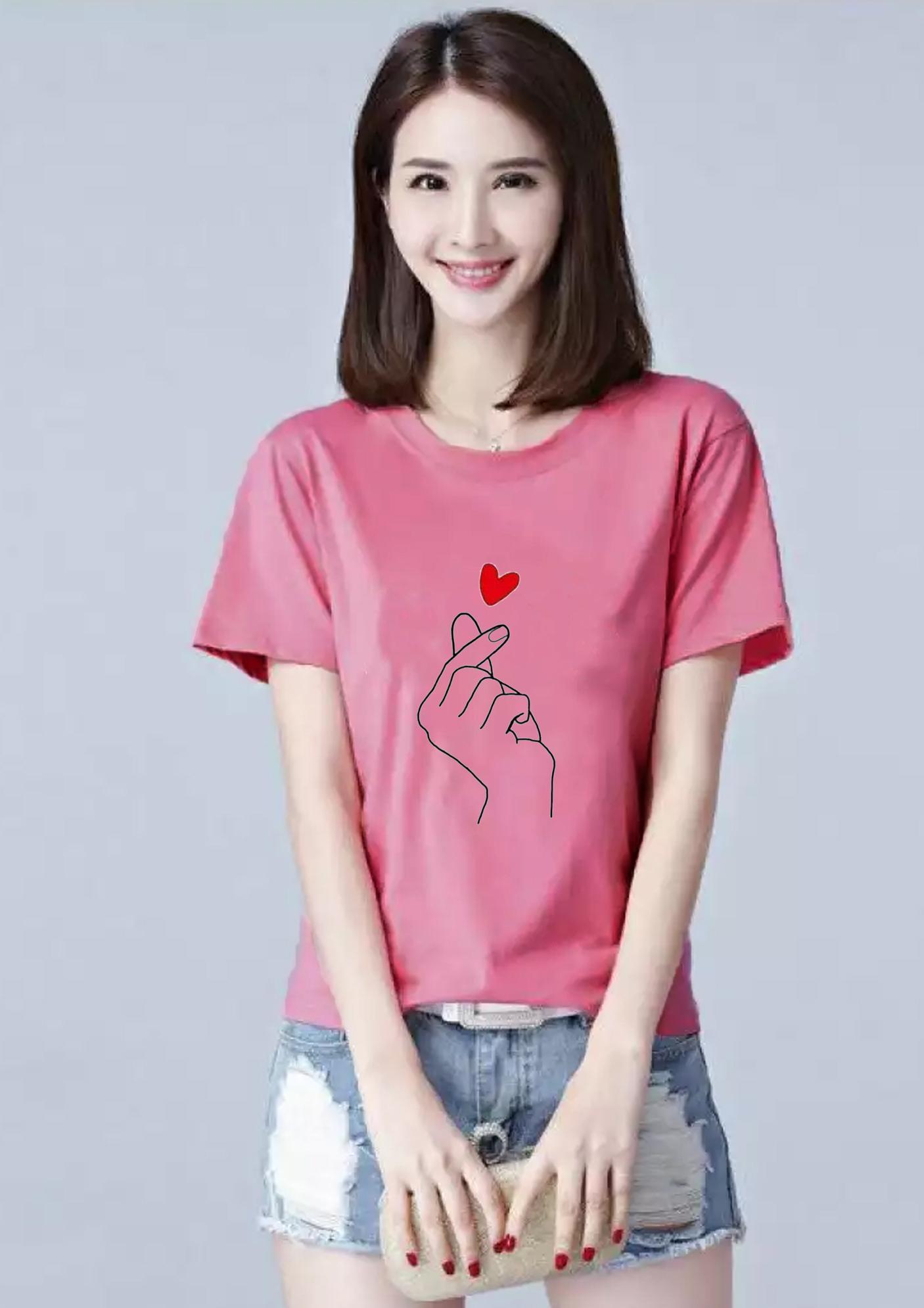 Áo thun nữ cổ tròn in hình bắn tim form rộng vải dày mịn AoK1652