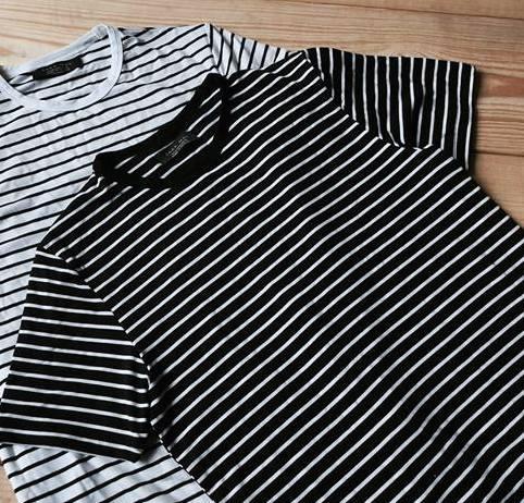 Bộ 2 áo thun nam body cổ tròn KẺ NGANG AK01 vải dày mịn, thoáng mát ( đen/ trắng)