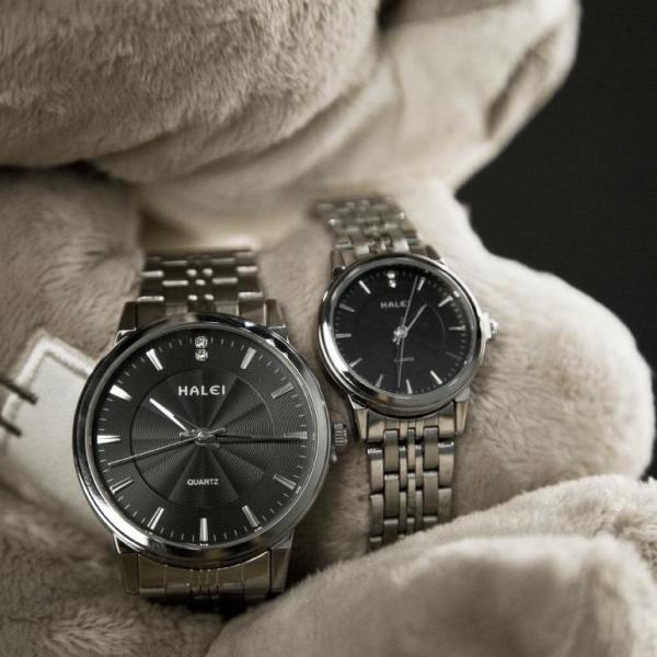 Nơi bán Cặp Đồng hồ Halei nam nữ cao cấp chống xước chống nước tuyệt đối (Giá 1 đôi) dây trắng mặt đen