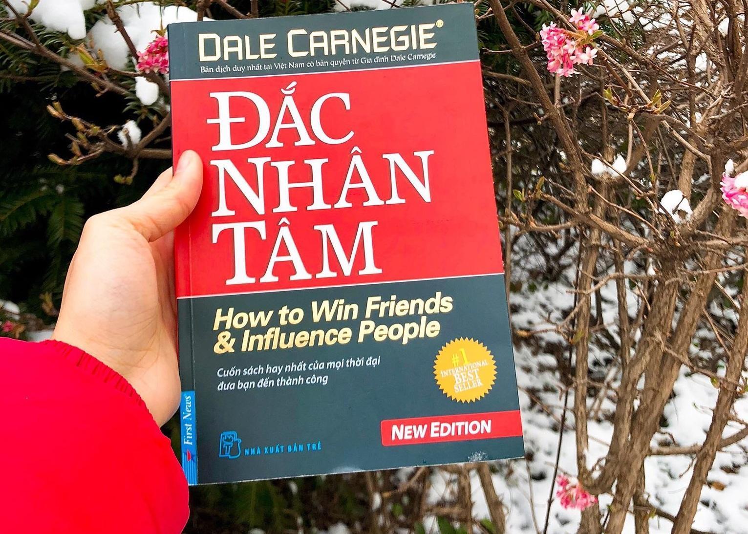 Giảm 37 %】 Đắc Nhân Tâm - Dale Carnegie, First News (Khổ Lớn)