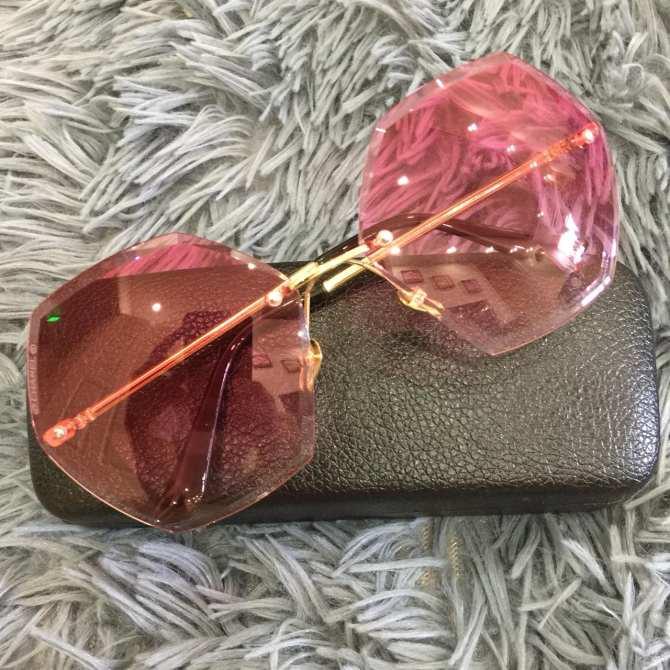 [Siêu giảm giá] Kính đẹp mẫu mới màu khói mang lại sự tự tin cho các cô nàng sở hữu G164-hồng-158 + Tặng hộp bọc da sang trọng
