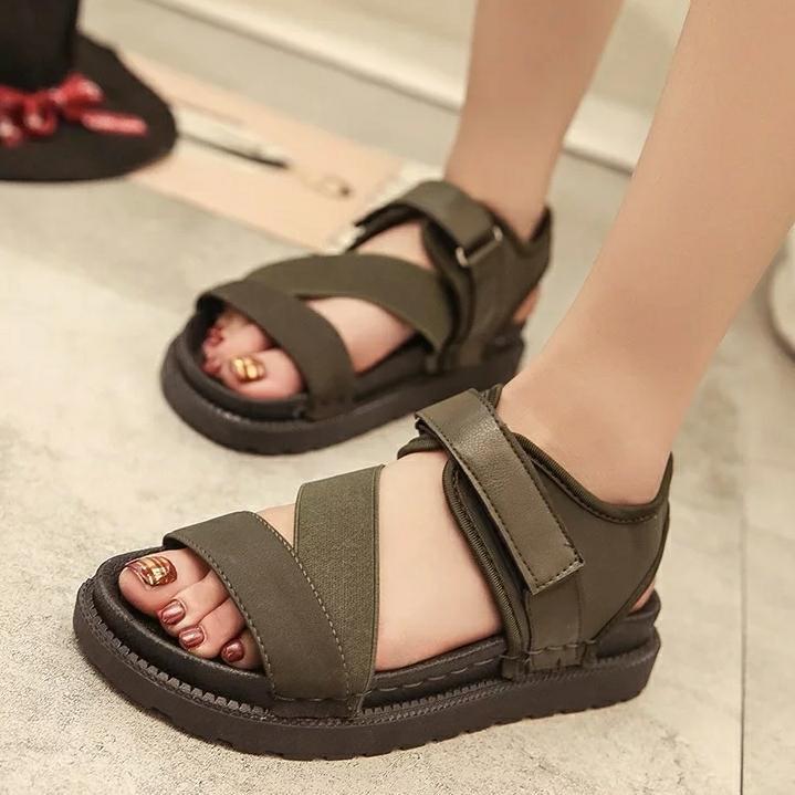 Sandal nữ chất da mềm.