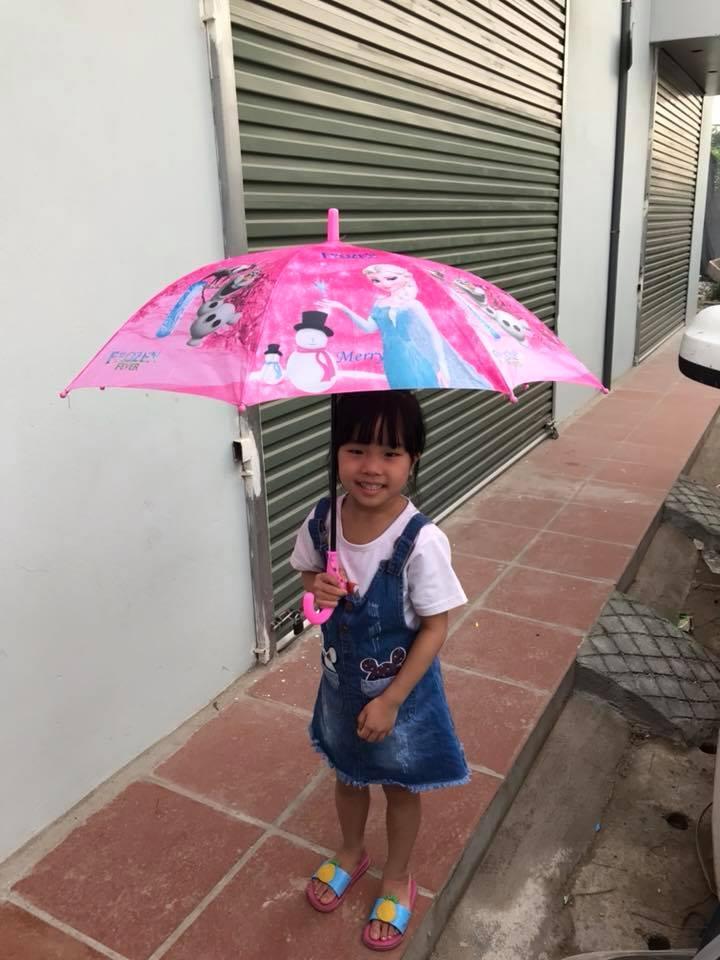 Ô, dù che nắng,che mưa họa tiết ngộ nghĩnh cho bé ( bé Gái)