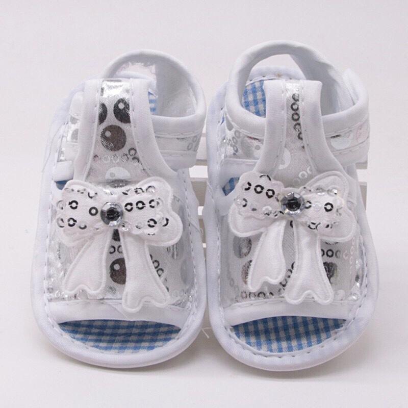 Giày sandal tập đi cho bé chống trượt êm chân