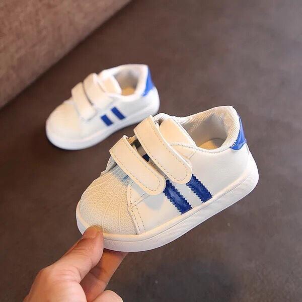 Giày Trẻ Em Siêu Dễ Thương T2