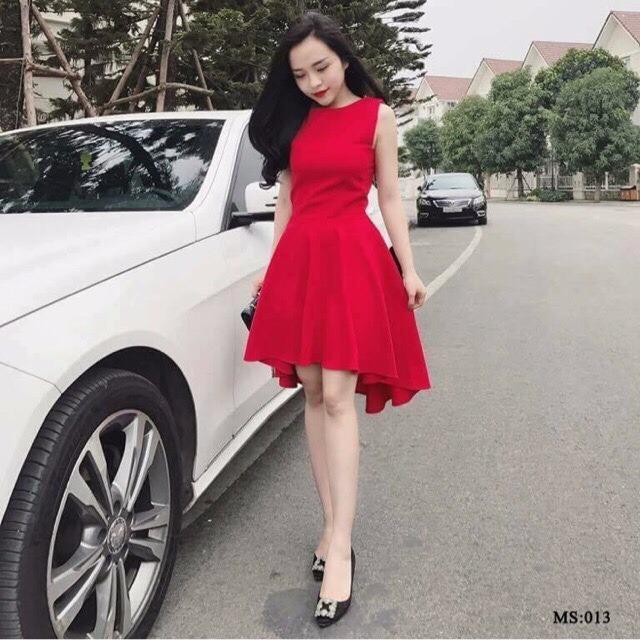 Váy xòe đuôi cá đỏ