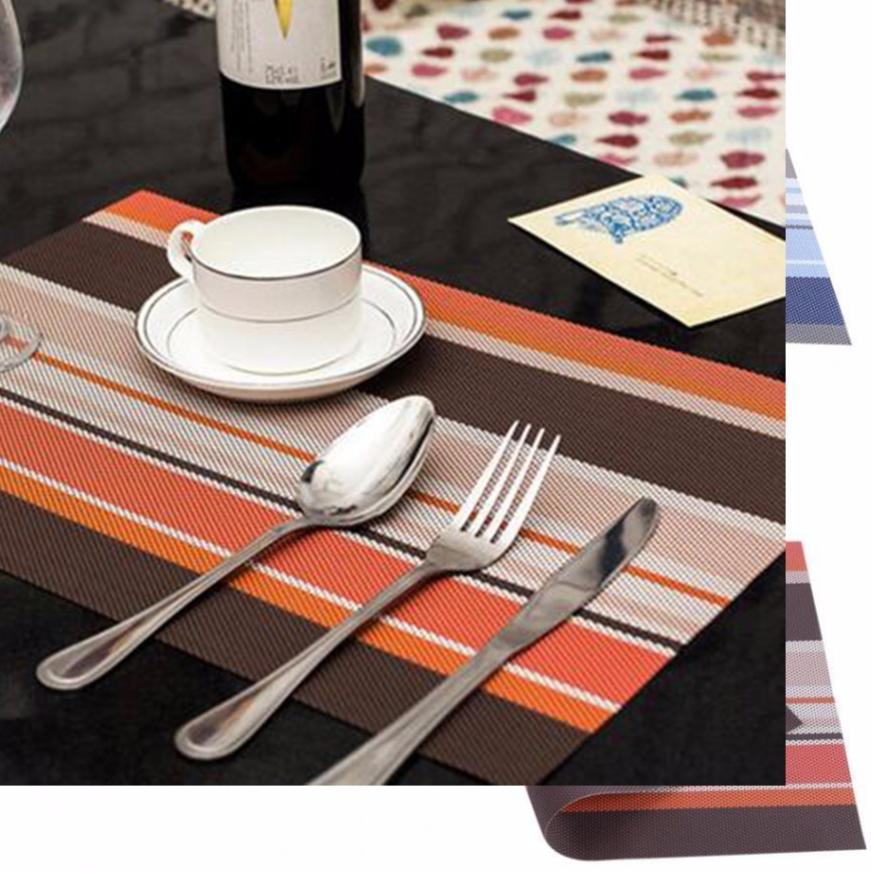 Tấm trải bàn ăn sang trọng