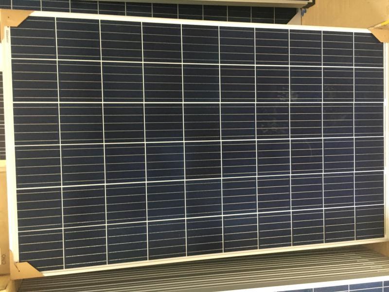 Tấm pin năng lườn mặt trời PoLy Canadian 275w