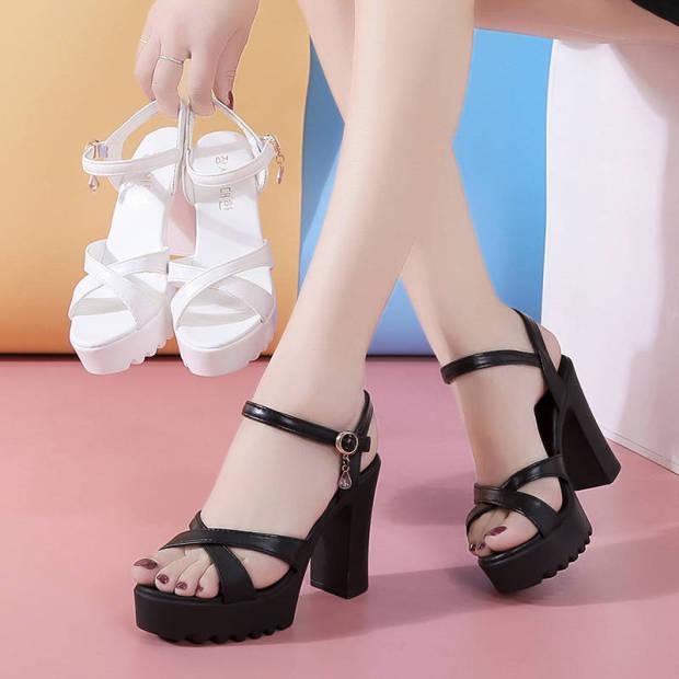 Sandal siêu nhẹ da mềm quai chéo gót vuông (2 màu Trắng , Đen) - CG25 giá rẻ
