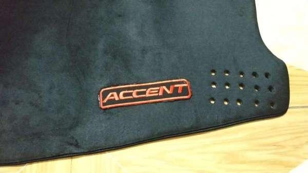 Thảm chống nắng taplo xe Hyundai Accent thảm nhung mềm 2 lớp