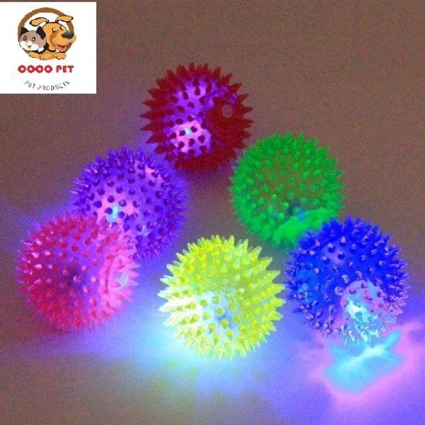 Đồ chơi chó mèo - bóng gai phát sáng ( chọn size) có đèn nháy với màu sắc thu hút