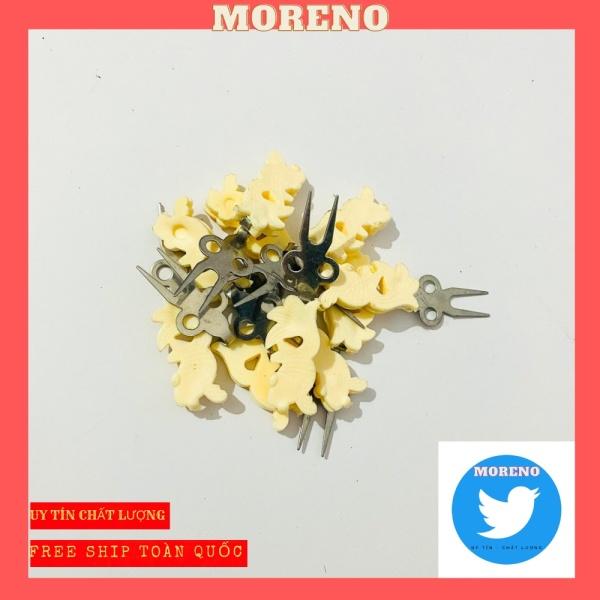 Xiên chuối hoa quả cho chim chất liệu nhựa bền đẹp giá rẻ thương hiệu MORENO