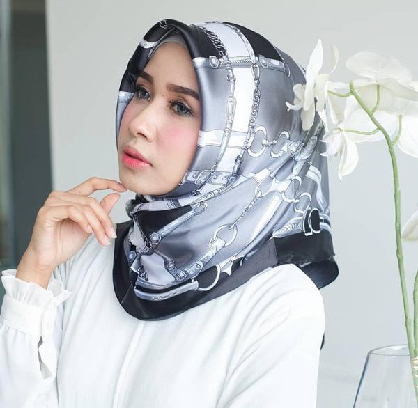 Giá bán Khăn Choàng Hijab Vải Satin In 21- 40 # Tudung Bawal Khăn Choàng Khăn Quàng Vuông 90CM WJ1001