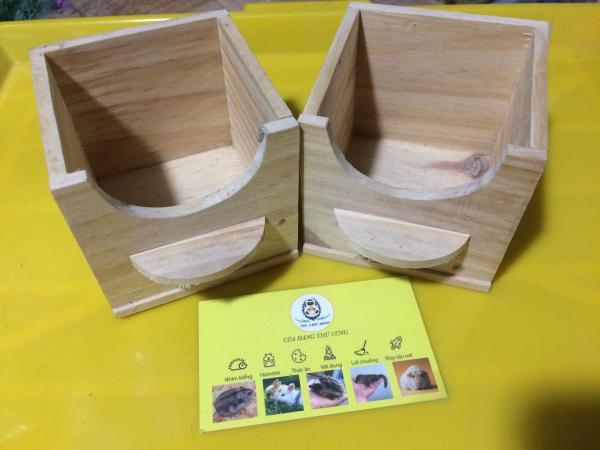 Nhà tắm cát bằng gỗ cho hamster .