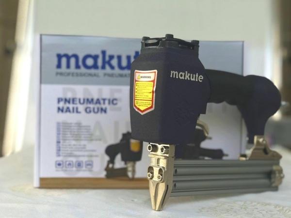 Súng bắn đinh Makute F30D
