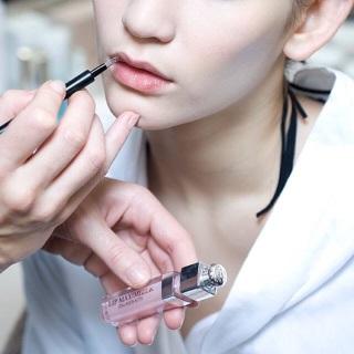 Dưỡng môi Dior 2ml sản phẩm tốt chất lượng cao cam kết như hình độ bền cao xin vui lòng inbox shop để được tư vấn thêm về thông tin thumbnail