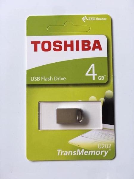 Giá USB Toshiba 4GB/8GB/16GB/32GB