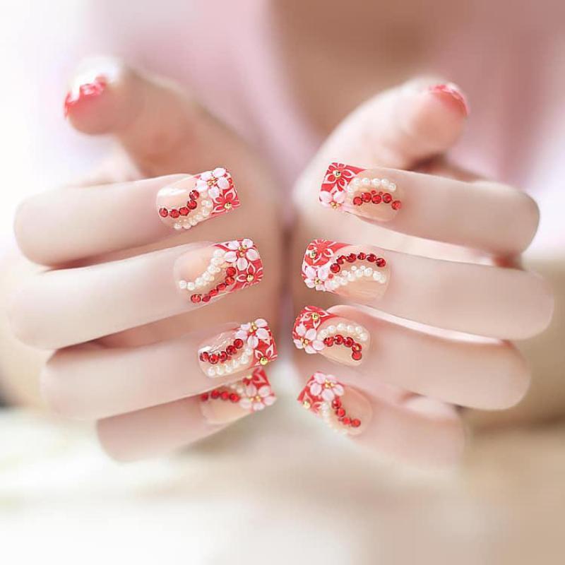 Hộp 24 Móng tay giả , nail giả , móng giả ( Keo sẵn sau các ngón tay )