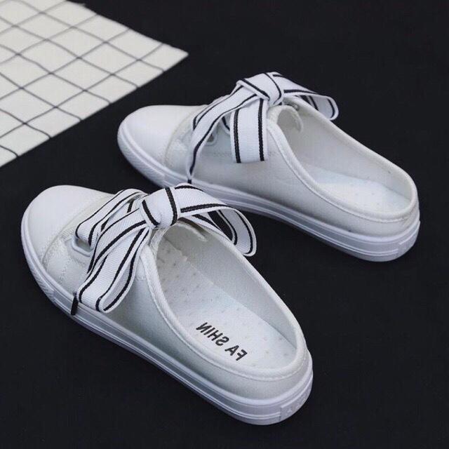 Giày sục nữ-trắng-ilala