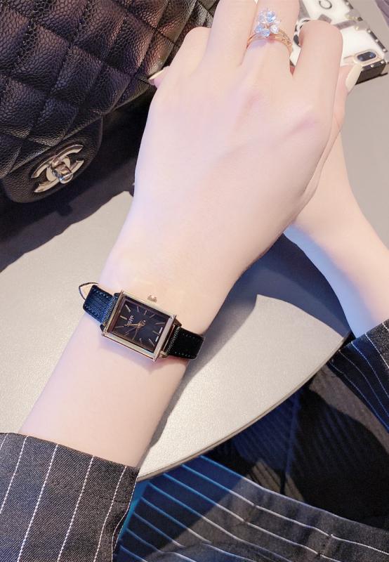 Đồng hồ nữ Julius Hàn Quốc JA-787 dây da cá tính màu đen