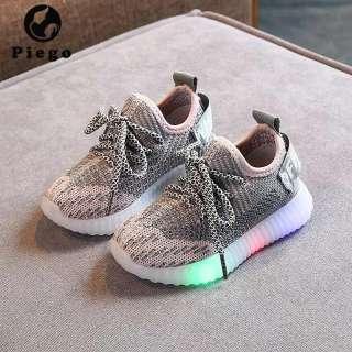 giày cho bé đẹp  Giày Bé Trai, Bé Gái Xu Hướng 2020