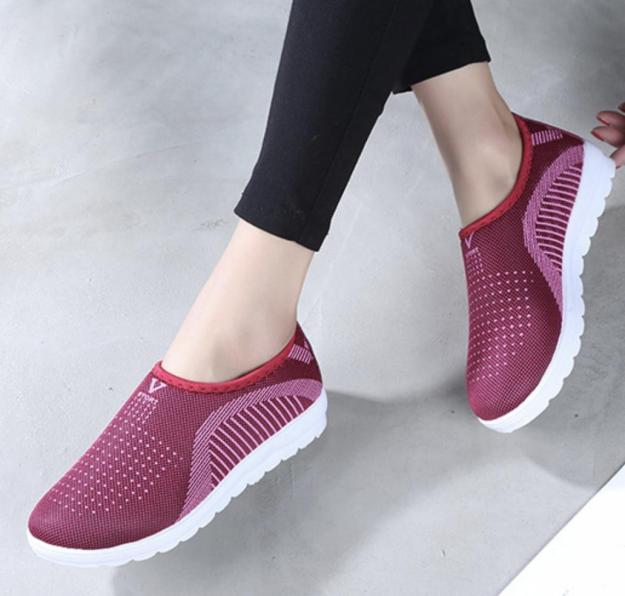 Giày lười nữ , giày ship on phong cách êm chân thoáng khí ghi, tím, đỏ, đen - chữ V - Size 36 đến 40 - (Full size Full box) V126 bao giá toàn thị trường VN (Hàng nhập khẩu) giá rẻ