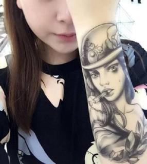 Hình xăm dán tatoo Cô gái hút thuốc kích thước 15 x 21 cm - miếng dán hình xăm đẹp dành cho nữ thumbnail