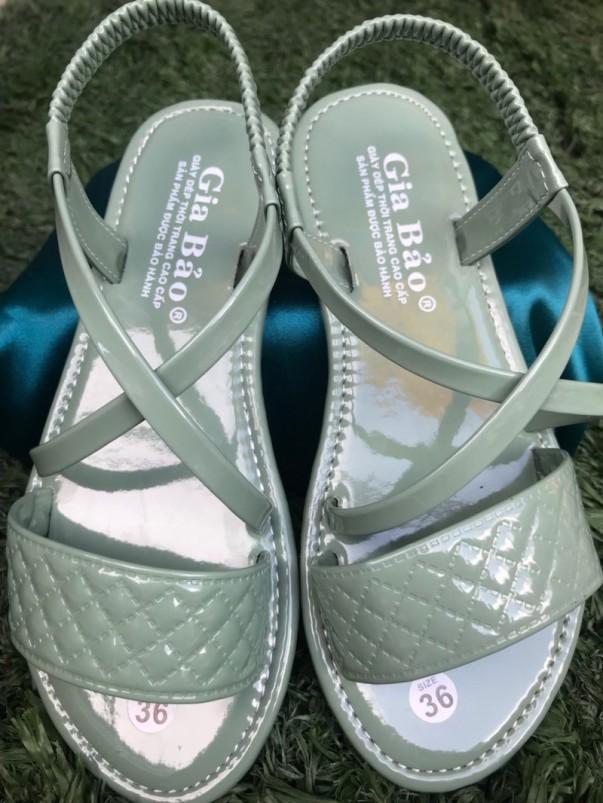 Giày sandal quai chéo thời trang trẻ trung giá rẻ