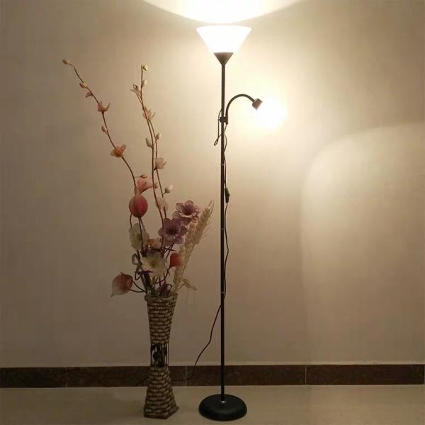Đèn cây đứng 2 nhánh trang trí