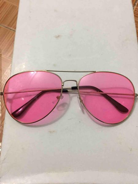Giá bán Kính xuyên đêm màu hồng
