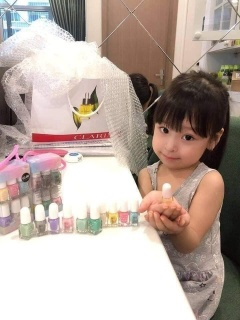 Bộ 12 sơn mong tay cho mẹ và bé Pháp không độc hại (có tách set lẻ) thumbnail