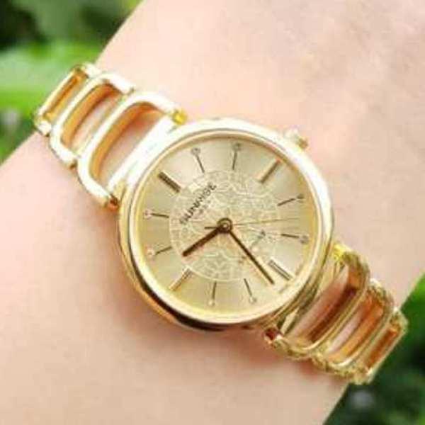 Đồng hồ lắc tay nữ SUNRISE 9997SA dây vàng mặt vàng, kính sapphire chống xước, chống nước cực tốt.