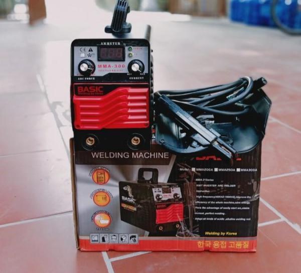 máy hàn 300A công suất lớn giá tốt - hàn 300A  --Phụ kiện kèm theo:2m dây hàn + 1m dây kẹp mass, mo hàn, búa gõ xỉ, sách hướng dẫn sử dụng tiếng Anh