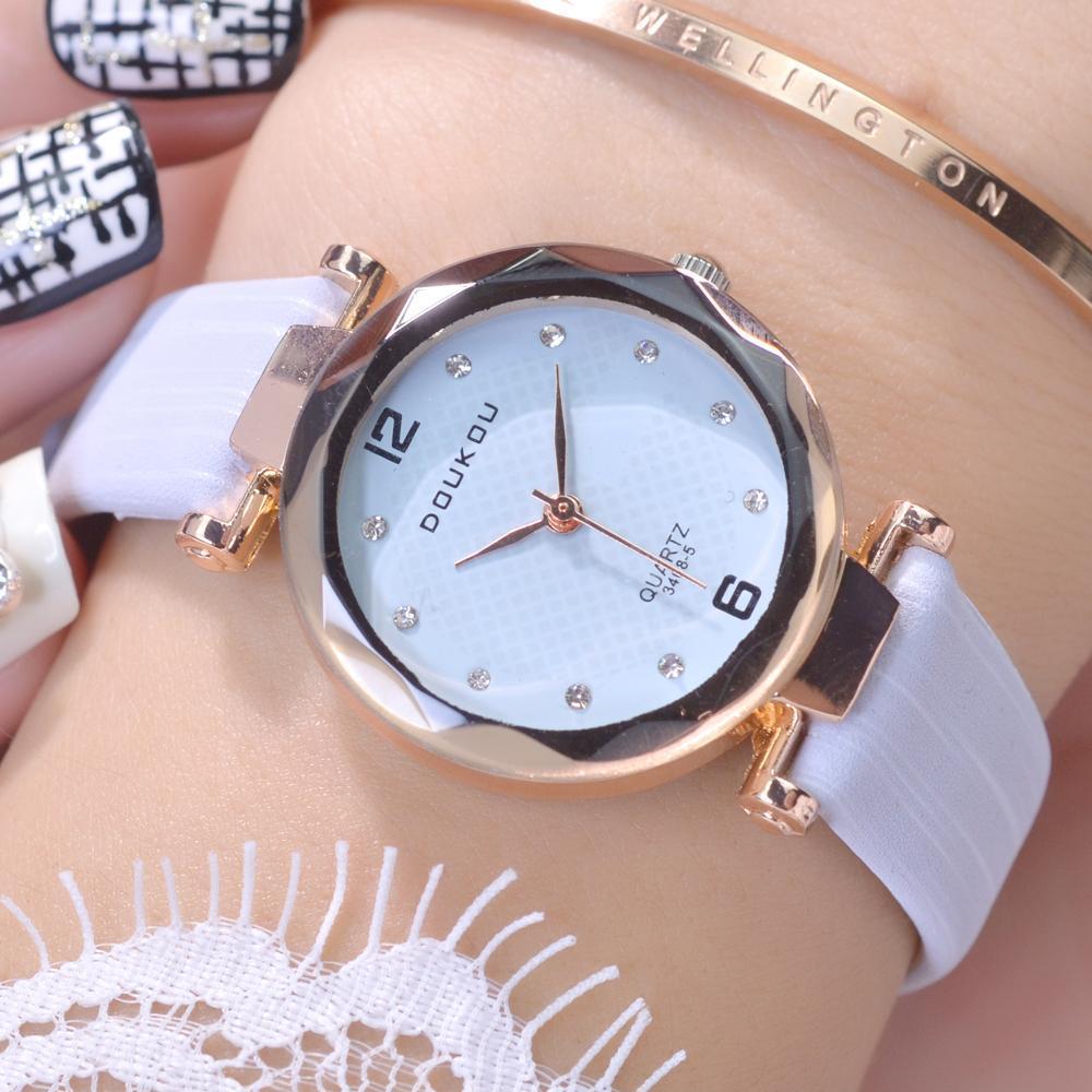 Đồng hồ nữ DOUKOU dây da sắc màu trẻ trung độc đáo IW-DK3468L bán chạy