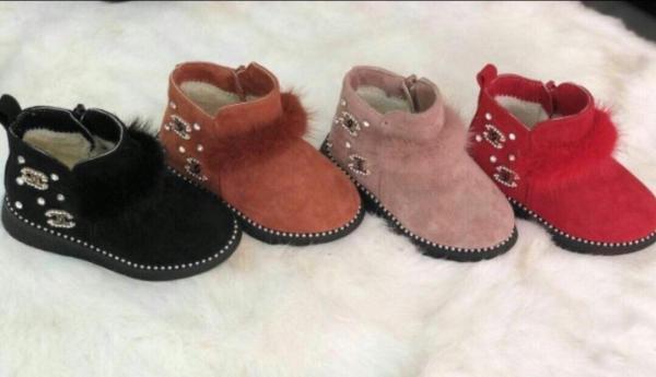 Giá bán [SenXanh] Bốt cổ lông đính đá cho bé gái