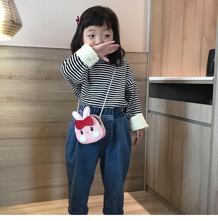 Giá bán Túi đeo chéo hình thỏ đáng yêu cho bé