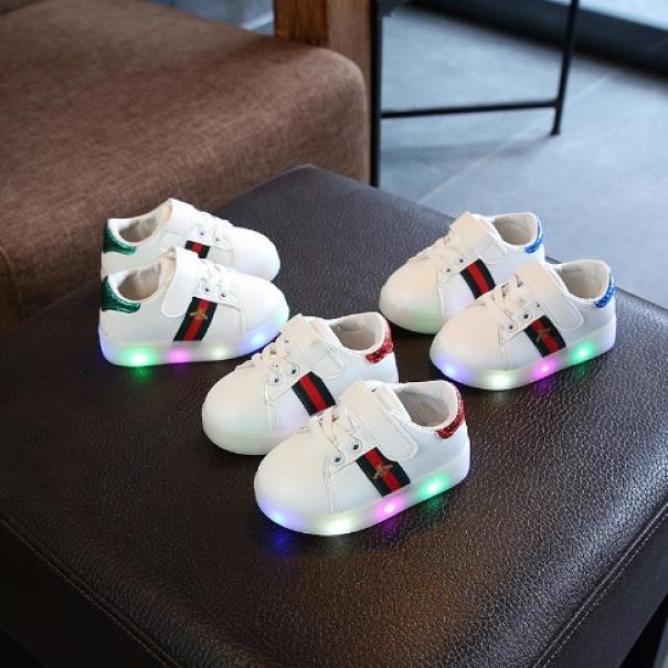 Giày sneaker nam cho bé trai , giày nam cho bé giày thể thao có đèn led phát sáng cho bé trai và bé gái cho bé từ 1 đến 6 tuổi giá rẻ