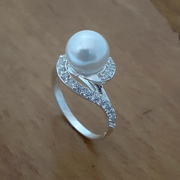 Nhẫn nữ ngọc trai nhân tạo size 8ly chất liệu bạc thật không xi mạ, có thể chỉnh size tay theo yêu cầu qúy khách  - QTNU15