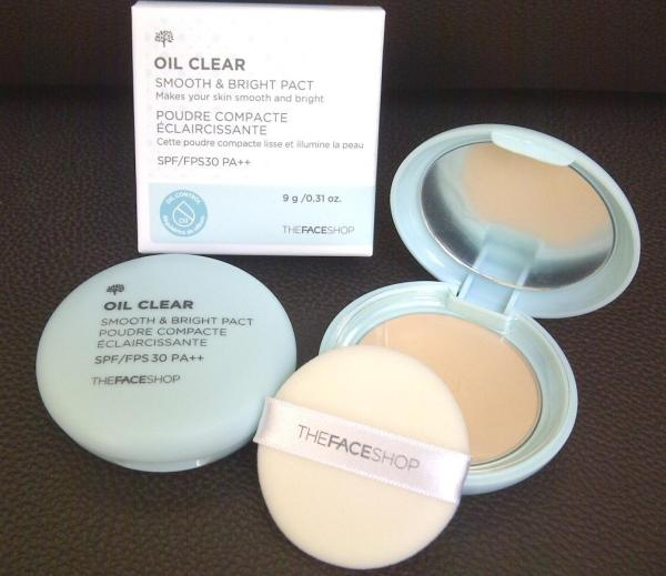 Phấn Phủ Kiềm DầuThe Face Shop Oil Clear Smooth & Bright Pact SPF30 PA++ giá rẻ