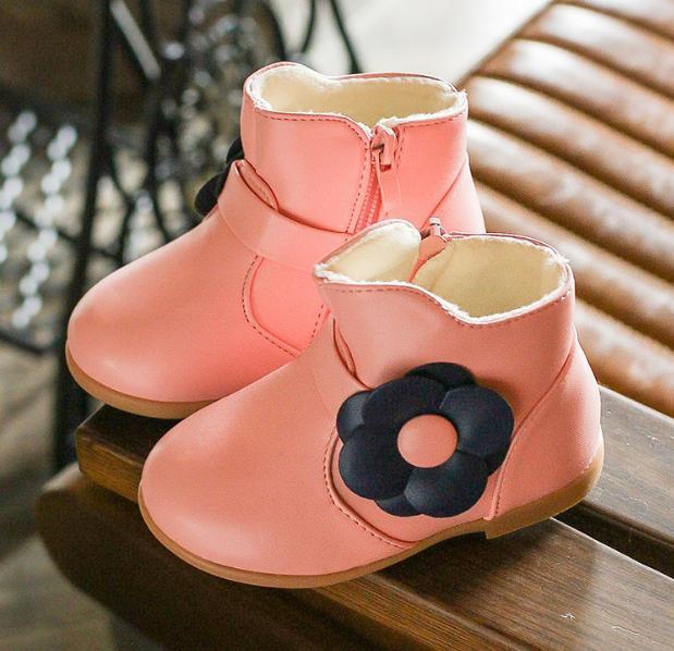 Giá bán Boot Hoa Da Bóng Siêu Dễ Thương Cho Bé Gái