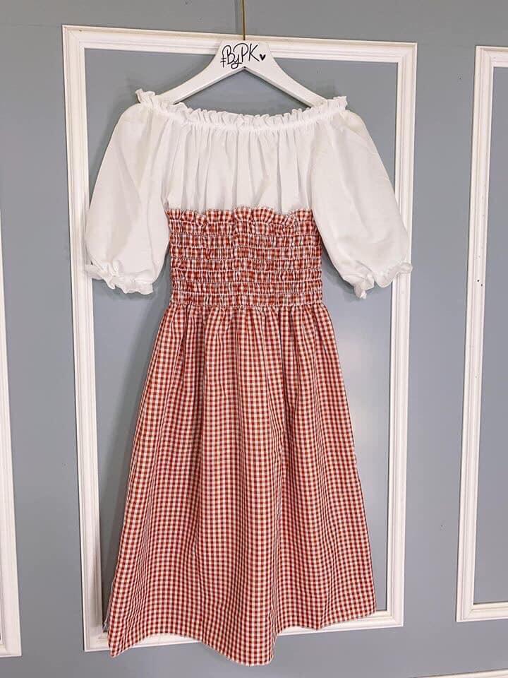 Offer tại Lazada cho Váy Caro Phối Yếm (may Liền) đủ Màu