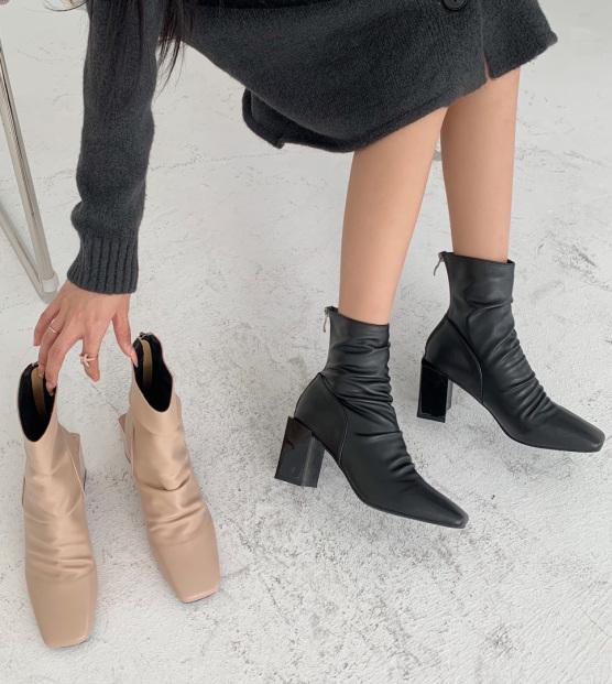 Giày bốt nữ cổ cao da nhăn mới - boot nữ có 2 màu đen & kem, kéo khóa sau, đế vuông cao 7 phân, boots nữ ulzzang hàn quốc giá rẻ cá tính 2020 giá rẻ