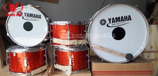 Trống đội Yamaha màu đỏ