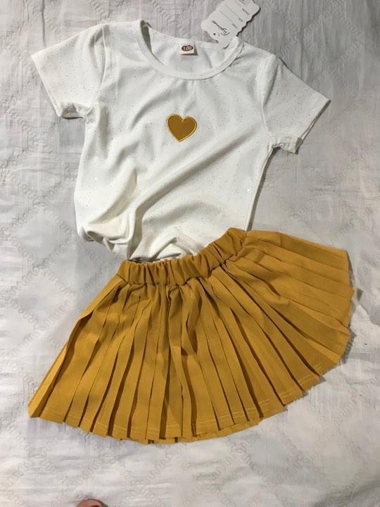 Giá bán Set Áo Tim Ngực Kèm Váy Sành Điệu