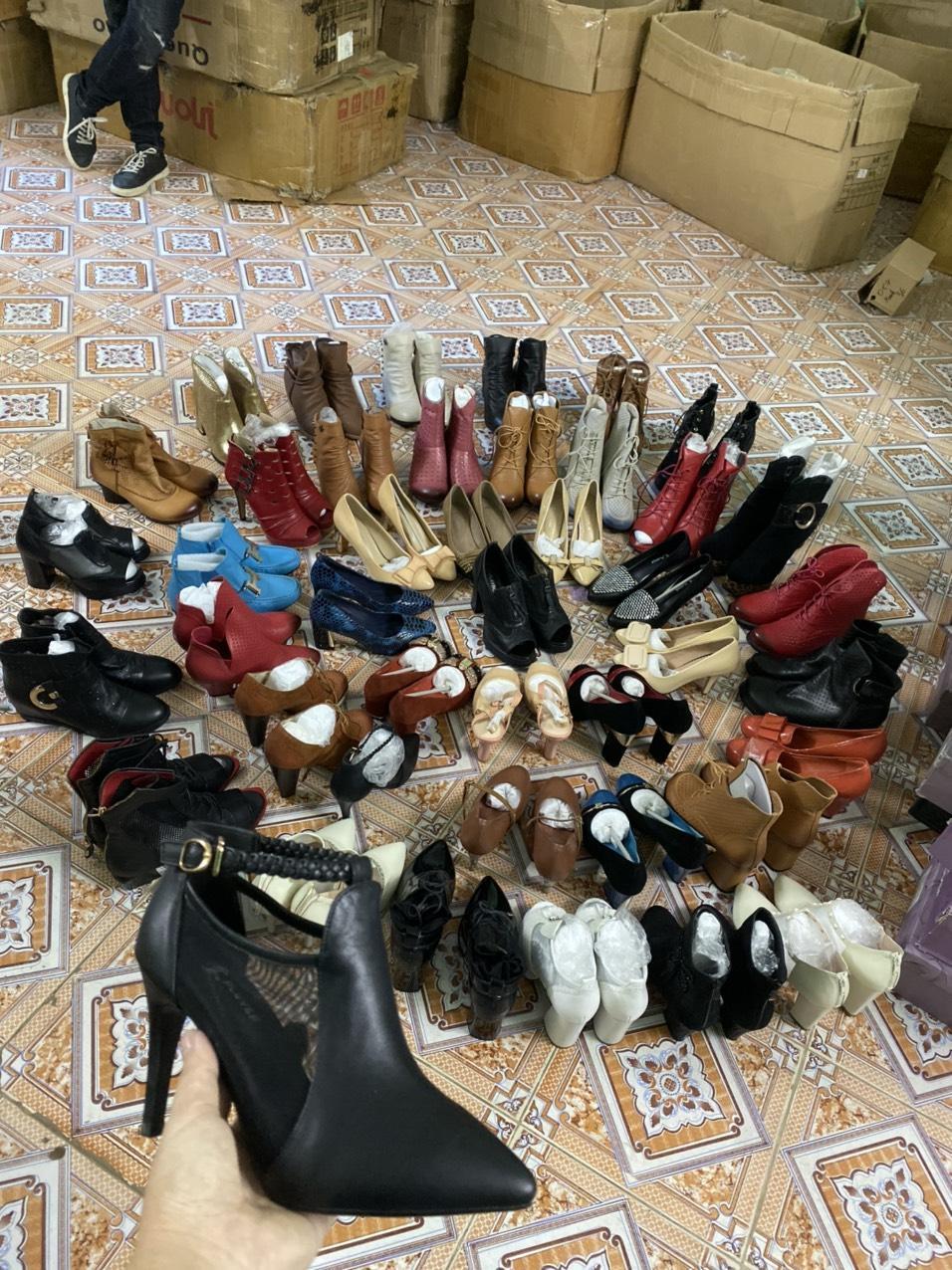 ⚡️THANH LÝ⚡️ Giày Dép Lẻ Size, Giày Lỗi ít Nam Nữ (shop Gửi Ngẫu Nhiên,không Chọn Mẫu) Đang Ưu Đãi Cực Đã