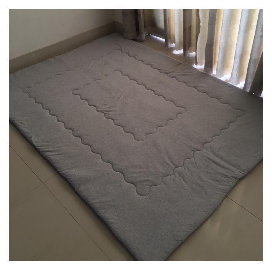 Nệm ngủ (1.4m x 2m) chằn coton dày cao cấp êm và mát ( màu xám) Nhật Bản