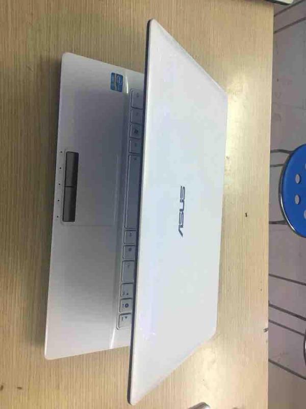 Laptop Asus K43 trắng đẹp