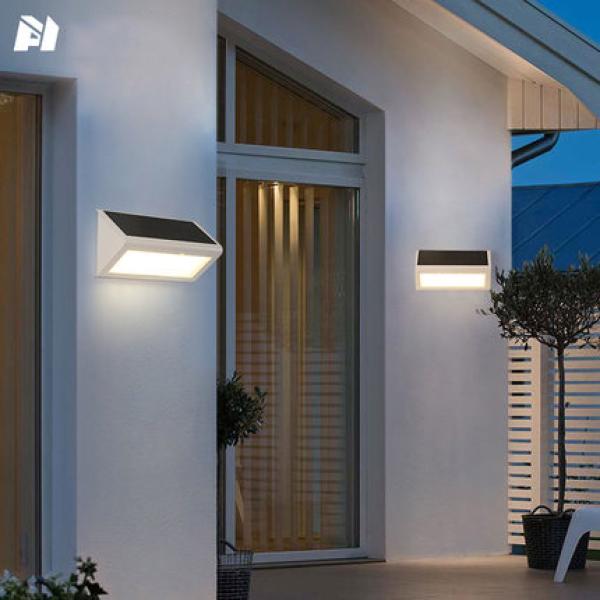 Đèn năng lượng mặt trời thông minh Solar Light, pin phosphate sắt 4500mAh, 4 chế độ hoạt động - Bảo hành 01 năm