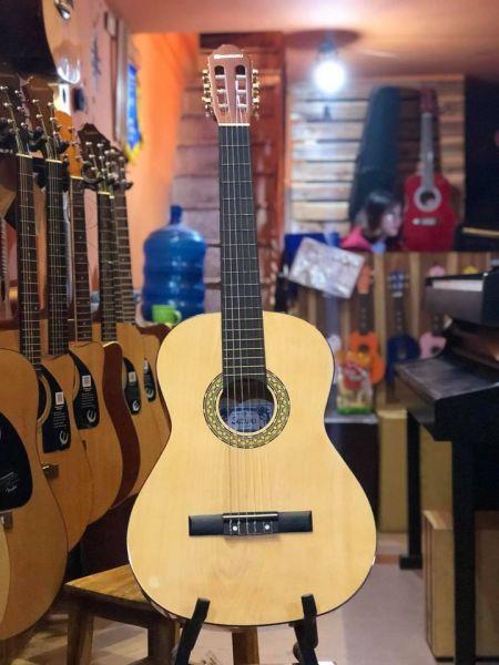 Đàn guitar classic Suzuki CG-28